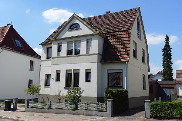 Niewald, Gottfriedstraße 15, H
