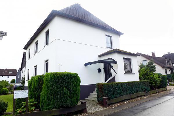 Baumgart, Schwanenweg 1, Außen
