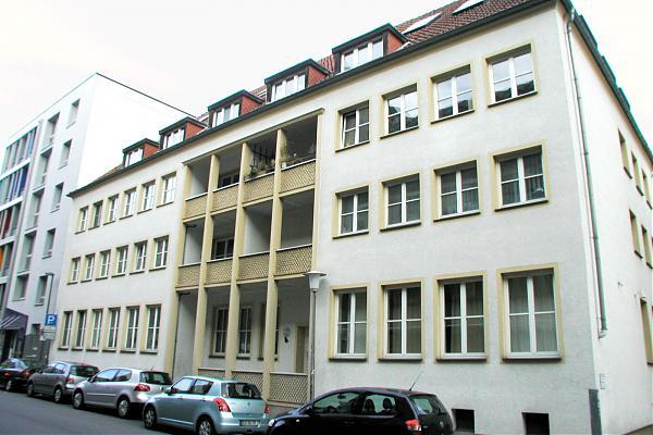 Busse, Körnerstraße 1a, außen